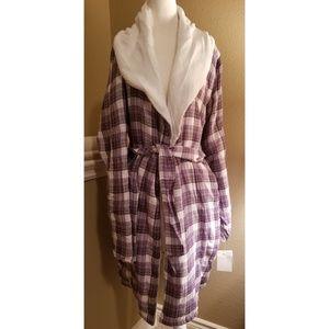 UGG Intimates   Sleepwear - NWT UGG Anika Plush Plaid Robe 21dd5cf32